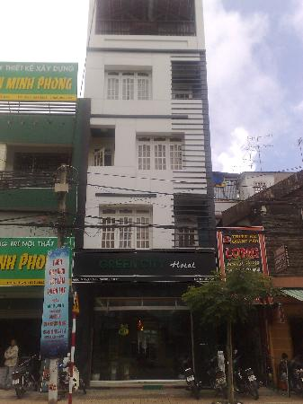 Dalat Green City Hotel: Front of hotel