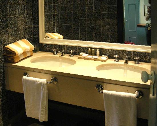 Hotel Quinta das Lagrimas: Washbasins