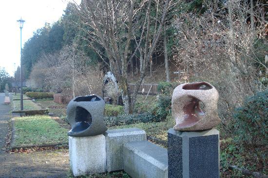 Suginamiki Park: 彫刻もいっぱい