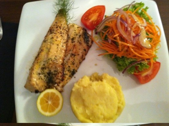 Tuti's Restaurant and Bar : grilled fish of the day