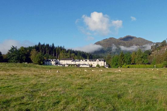 Loch Achray Hotel: View of the hotel