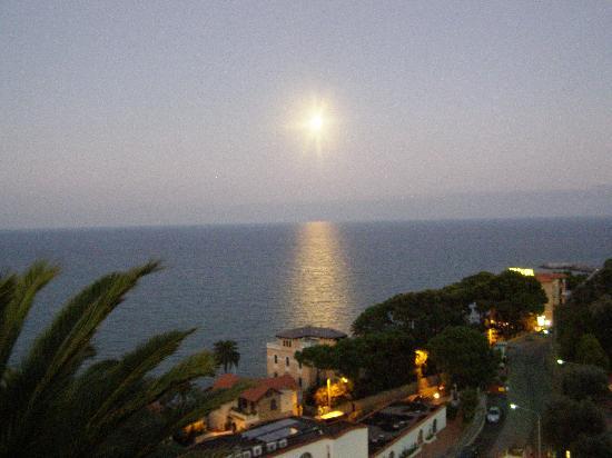 Hotel Ulivo : dalla terrazza con la luna