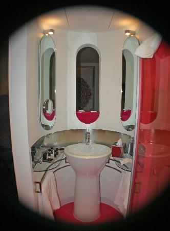 My Brighton Curvy Bathroom