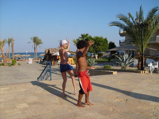 Sol Taba Red Sea : Our Dance-show with Ahmed!