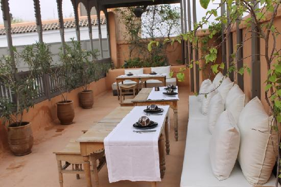 Zaouia 44: The beautiful terrace for breakfast