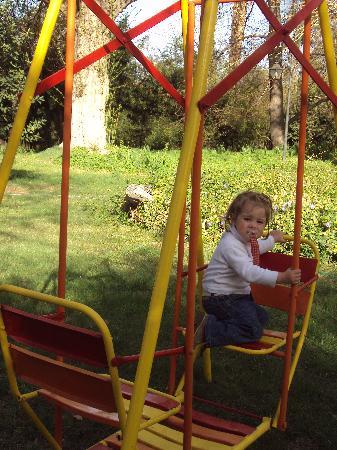 Godoy Cruz, Argentina: Jugando en el jardín!