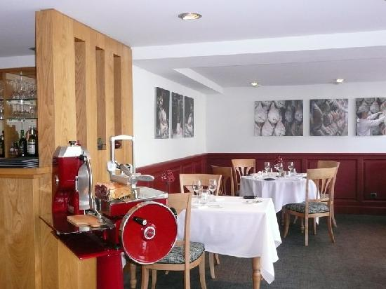 restaurant auberge du cheval blanc dans bayonne avec cuisine fran aise. Black Bedroom Furniture Sets. Home Design Ideas