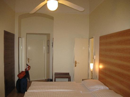 Hotel Wandl: Hotel room