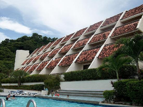 Villas Sol Hotel & Beach Resort: Frente del hotel