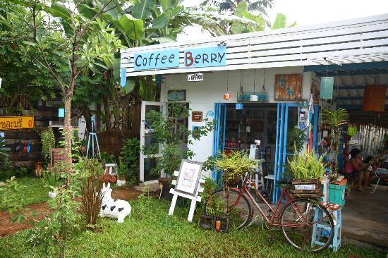 Coffee Berry Sangklaburi: Coffee shop