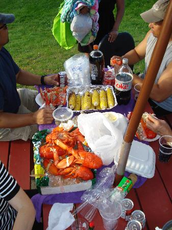 Majestic Regency: Making use of the picnic tables and grill. LOBSTER and Corn and the Cob!