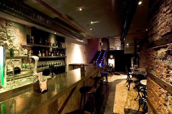 Petit Comite: El Bar