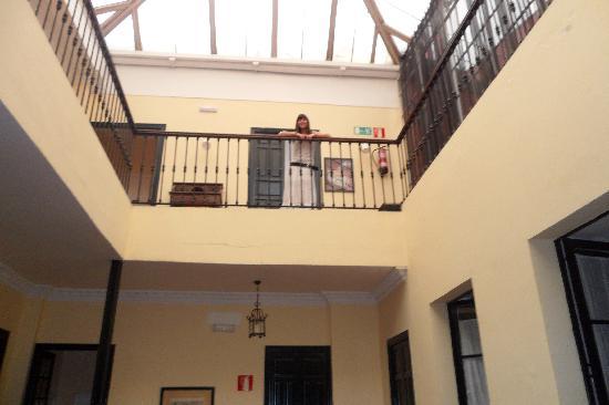 Hostel One Sevilla Centro: Interior del hostel