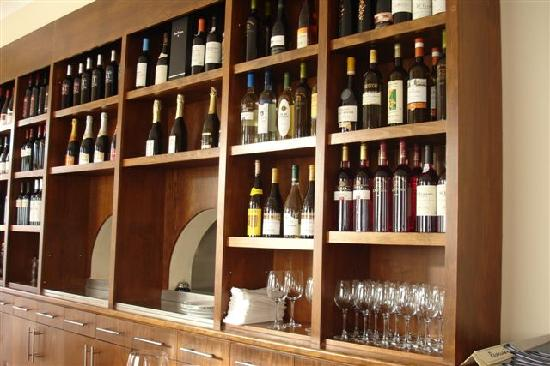 Esquina Restaurante: Large variety of Portuguese Wines