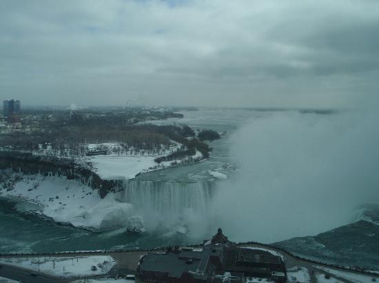 Niagara Falls: Chilly winter view