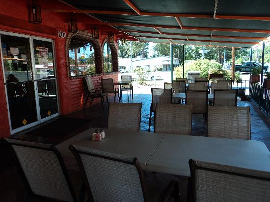 El Paraiso: The outdoor seating area.