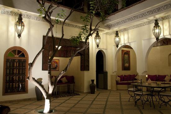 Riad Granvilier: patio Riad