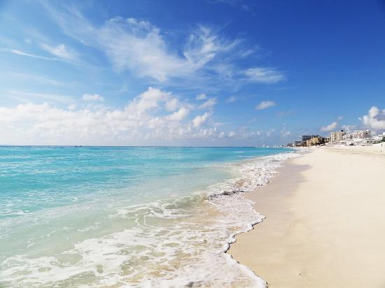Live Aqua Beach Resort Cancun: wonderful beach