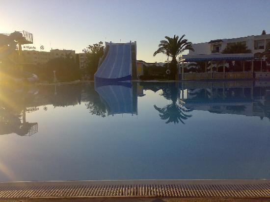 Soviva Resort: the pool at dawn