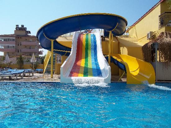 Sun City Apartments & Hotel: The Slides