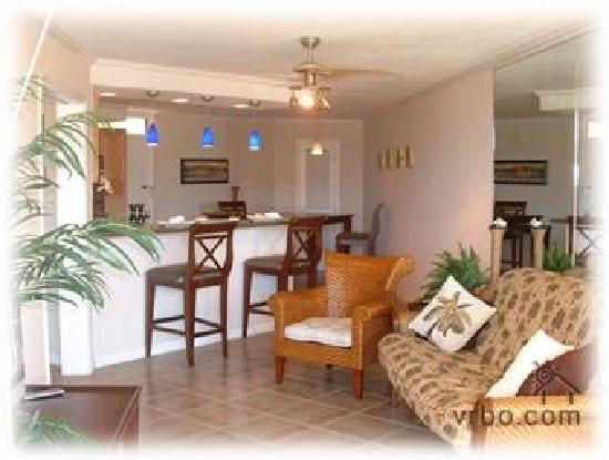 Kauhale Makai, Village by the Sea: Family Room