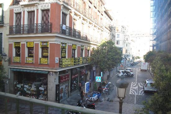 La habitaci n picture of hotel ateneo puerta del sol for Puerta del sol santiago