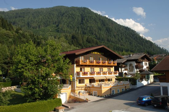 Photo of Hotel Garni Tannenhof Flachau