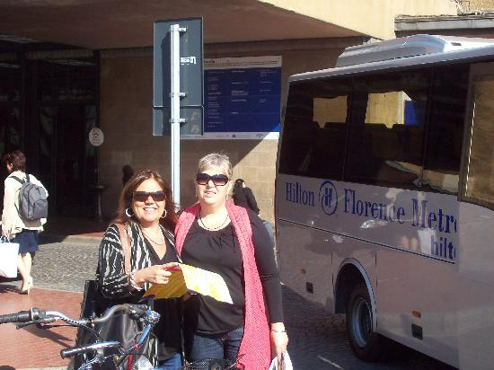 Hilton Florence Metropole: entrada y bus