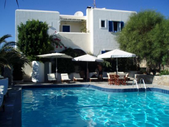 Hotel Manos: vue de la piscine