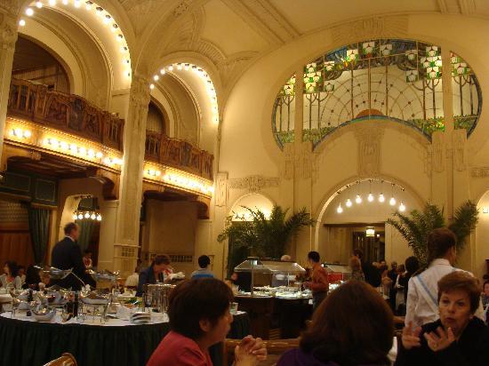 Belmond Grand Hotel Europe: Comedor desayuno