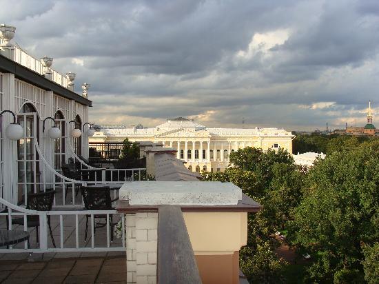 แกรนด์โฮเต็ลยูโรป บาย โอเรียนท์-เอ็กซ์เพรส: Museo Ruso desde balc{on de la habitaci{on