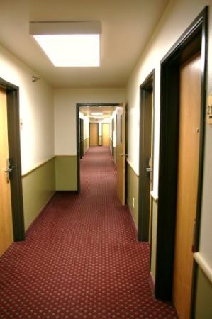 Super 8 Big Timber : Hallway - 2nd floor