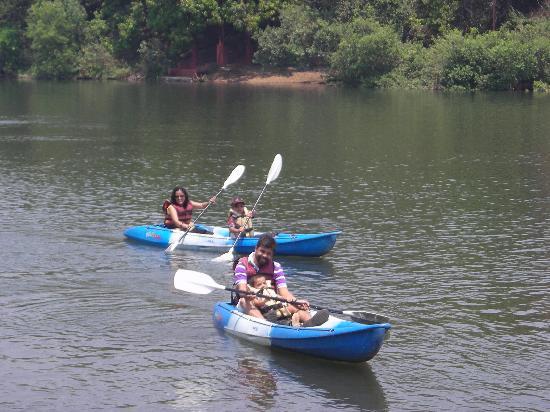 Kamath Residency Nature Resort: Kayaking