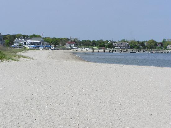 Beach location at The Mains'l