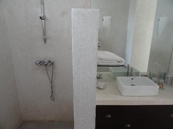 Ilotbali : salle de bain 2