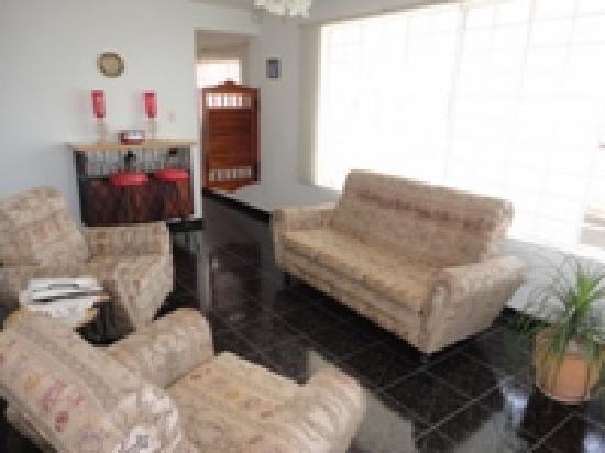 Hostal Raul y Olga: Living Room area