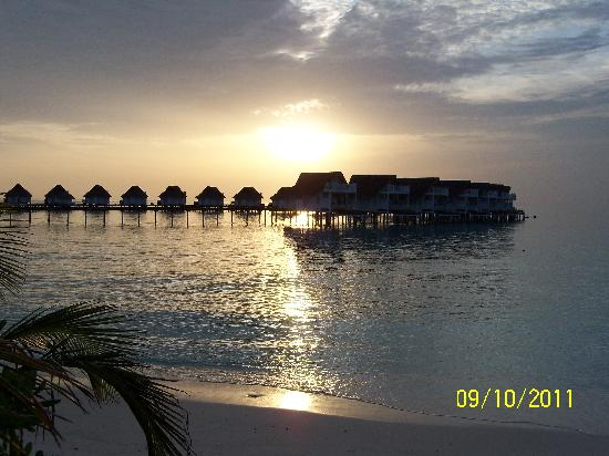 Centara Grand Island Resort & Spa Maldives: sunset