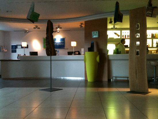 Bes Hotel Bergamo West: Reception