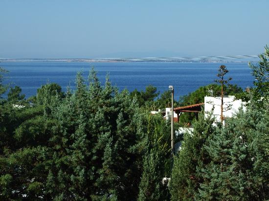 Trikorfo Beach Resort : Vista dal terrazzo.