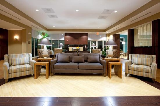 Holiday Inn & Suites Columbia - Airport: Front Lobby 1