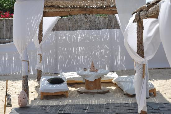 Hotel le petit mousse : la plage