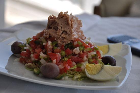 Hotel le petit mousse : salade tunisienne