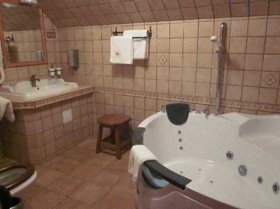 Kulacs Csarda Panzio: Bathroom