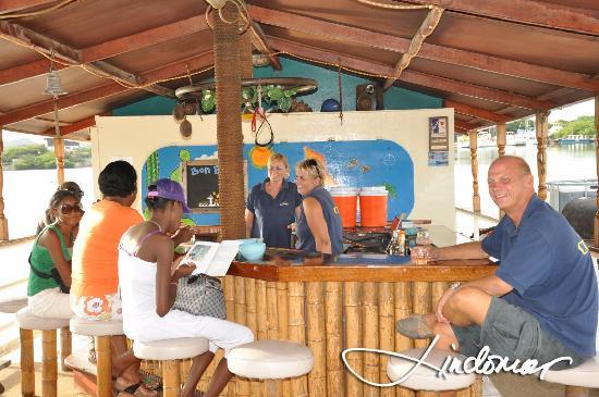 ZeeLandia Minicruise - Day Tour : At the cozy Bar