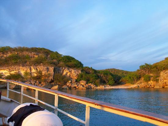 ZeeLandia Minicruise - Day Tour : Zeelandia at Playa Mansalina