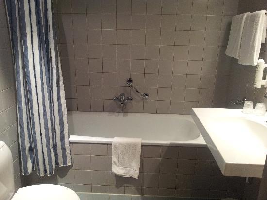 Apollo Hotel Breda City Centre : Bathroom