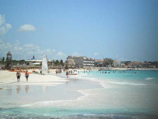 Iberostar Grand Hotel Paraiso: Preciosa playa para disfrutar caminar ò algùn deporte.
