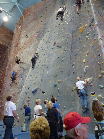 Pontiac Planet Rock Climbing Gym