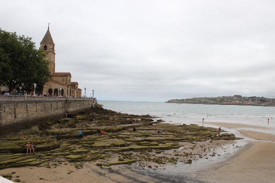 Playa de San Lorenzo: playa 2