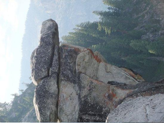 Glacier Point: Overhanging rock